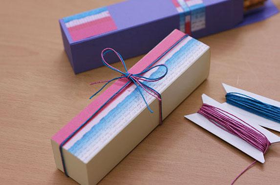 Украсить коробку для подарка своими руками