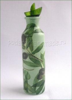 Бутыль оливкового масла в подарок. Декупаж для начинающих