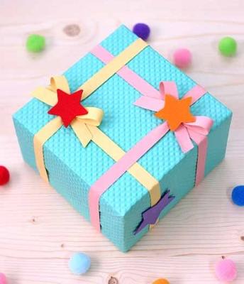 Упаковываем подарок для ребенка