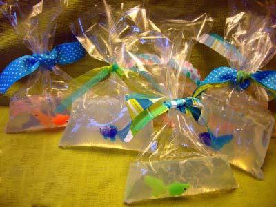 Прикольный подарок для ребенка – мыло «Рыбка в пакете»