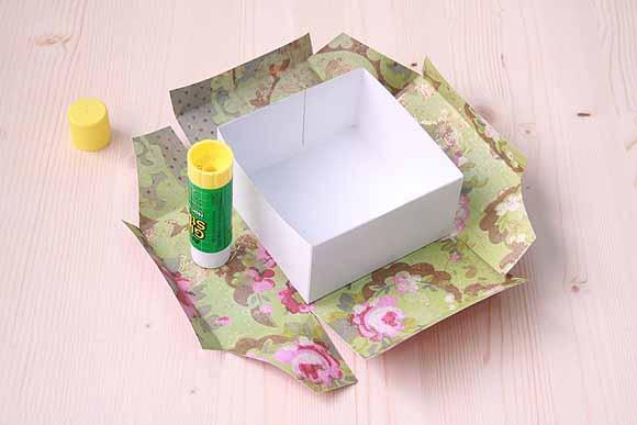 Как обклеить коробку с подарком