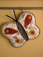 Прихватка-бабочка: идея подарка своими руками