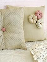 Красивые подушки: идея подарка своими руками