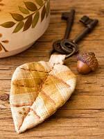 Брелоки из ткани: идеи подарков своими руками