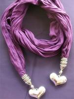 Оригинальный шарф из ткани: идеи подарков своими руками