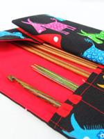 Пенал для крючков и спиц: идеи подарков своими руками