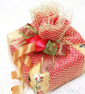 Упаковка посуды подарков к новому году