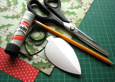 Новогодние украшения из бумаги - необходимые материалы