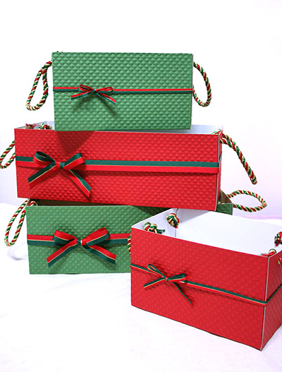 Коробка для сладостей - декорируем лентами
