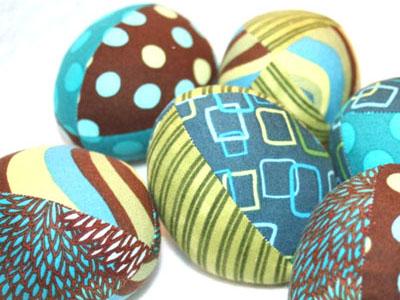 Декоративные яйца из ткани