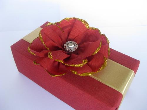 Цветы из гофрированной или креповой бумаги