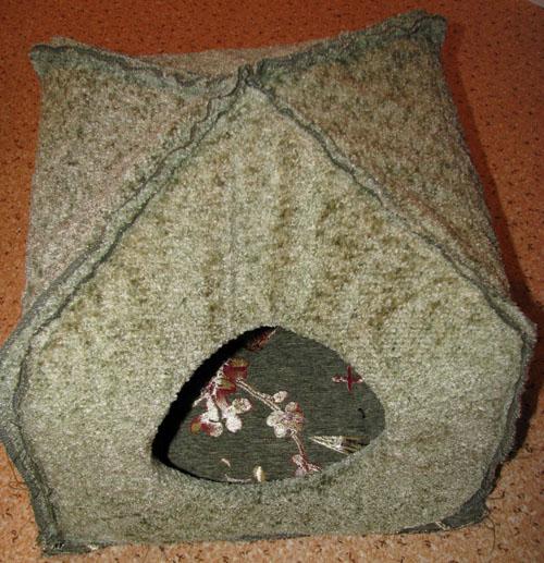 Сделать мягкий домик для кошки своими руками 3